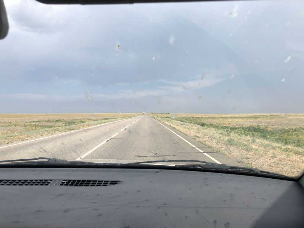 Endlose Steppe bei unserer 4000km langen Reise durch Kasachstan von West nach Ost
